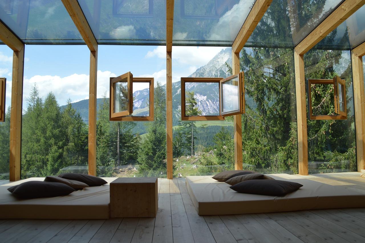 le verre sur mesure types et mati res de d co maison online. Black Bedroom Furniture Sets. Home Design Ideas
